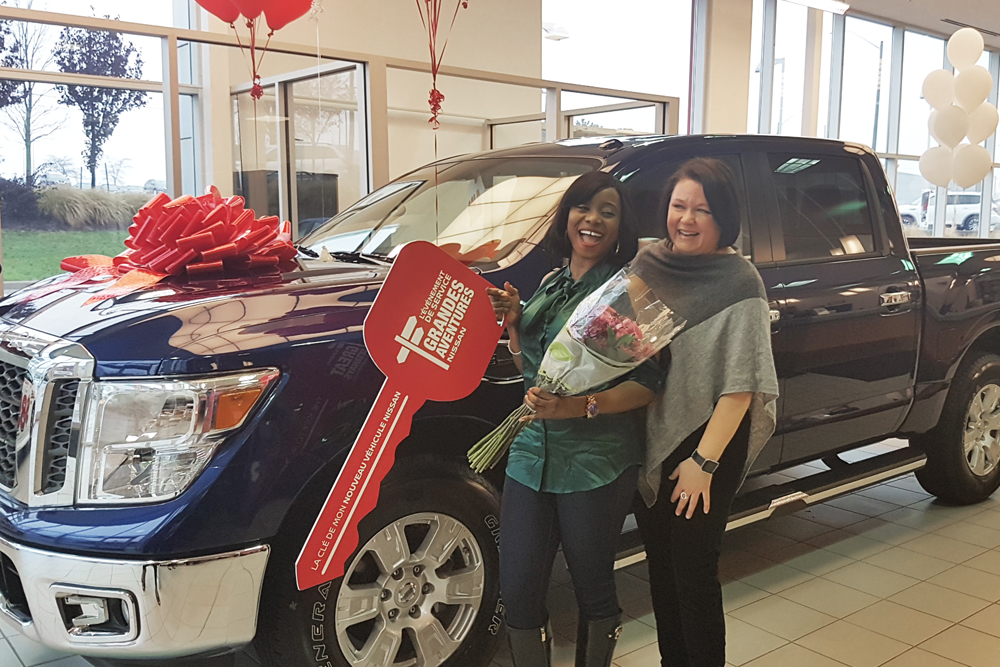 Eniola and Waterloo Nissan General Manager Joanne Pettifer